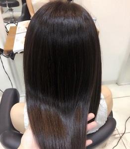 キューティクルが整った艶やかな髪