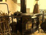 薪ストーブのある冬に。燃えにくい防炎ウールラグがおすすめです