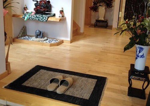 玄関に敷いたハグみじゅうたん