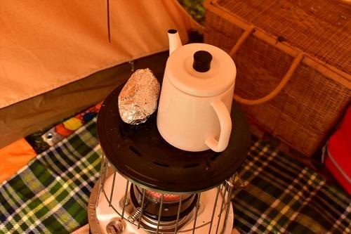 グランピングやキャンプのテント内のストーブ
