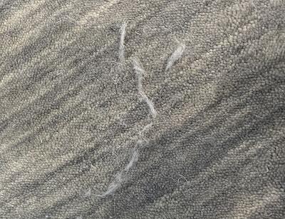 絨毯 遊び毛